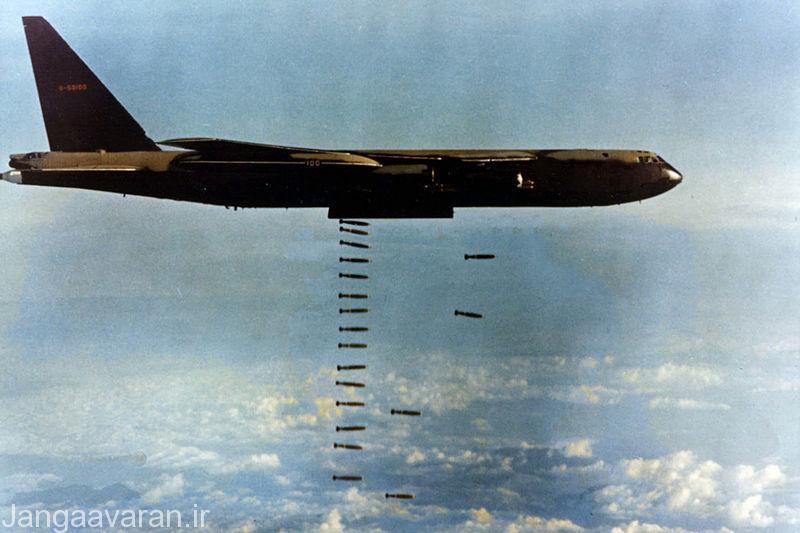 بمب افکن بی52 طی عملیات لین باکیر بیش از پانزده هزار تن بمب طی 11 روز بر فراز ویتنام فروریخت