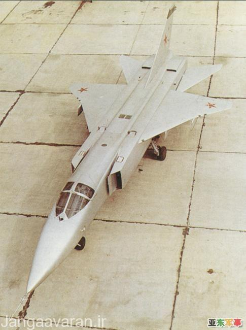 اولین پیش نمونه سوخوی24 مجهز به بال دلتایی مشابه سوخوی15