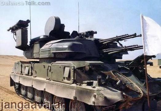 شیلیکا ام 4 ارتش مصر ارتقا یافته که در این تصویر مجهز به چهار موشک ایگلا نیز شده است