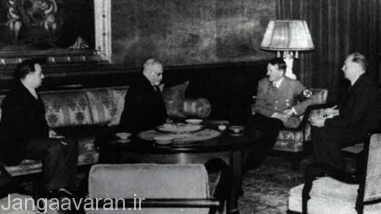 حسن اسفندیاری رئیس مجلس و موسی نوری اسفندیاری سفیر ایران در آلمان در دیدار با هیتلر