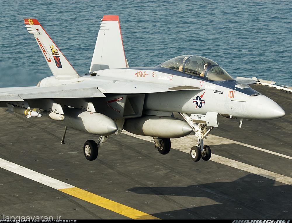 نسخه دو سرنشینه سوپر هورنت به دلیل توان بالای در انجام عملیات های شبانه در نیروی دریایی امریکا بسیار محبوب است