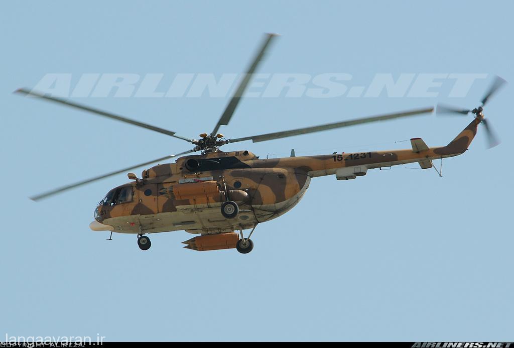 میل 17 سپاه پاسدران مسلح به راکت اس 8 نسخه ای که بر روی جنگنده های روسی نصب میشود . سپاه پاسدران با دارا بود بیش از 40 میل 17 تنها کاربر نظامی این بالگرد در ایران است