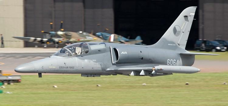 جنگنده بمب افکن سبک L-159 التا