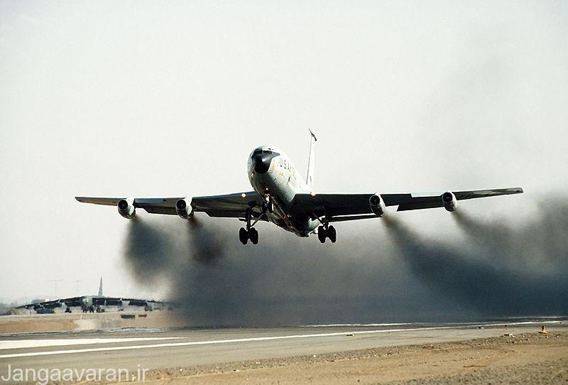 کی سی 135 ای مجهز به موتور جی 57 که دود و الودگی زیاد و سر و صدای بسیار داشت