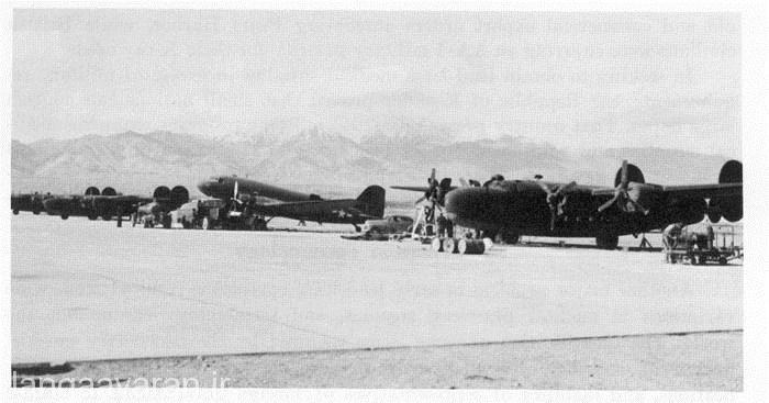 تهران فرودگاه قلعه مرغی 11 آوریل 1944 (23 فروردین 1323) هواپیماهای آمریکایی به کار رفته در جریان حمل تجهیزات و کمک رسانی به ارتش سرخ شوروی