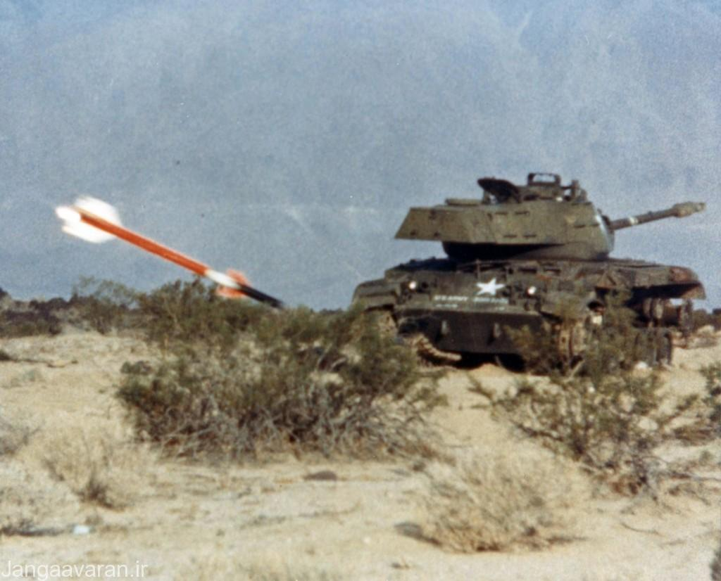 AIM-9L_hits_tank_at_China_Lake_1947 (1)