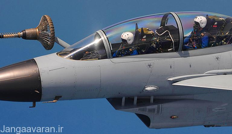 نسخه دو سرنشینه جی 10 اس( ای اس) در حال سوختگیری هوایی