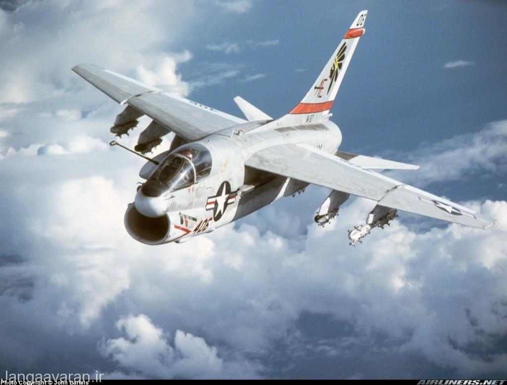 جنگنده تهاجمی ای7 کرسر2