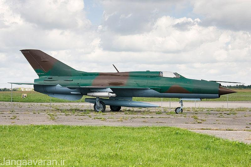 نیروی هوایی اعراب حدود 900 فروند جنگنده در اختیار داشت که پیشرفته ترین انها شکاری رهگیر میگ21 ساخت شوروی بود.