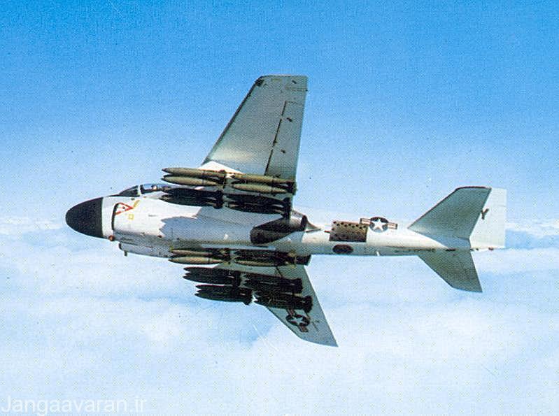 A6E و سنگین ترین لود شامل 30 بمب مارک 82
