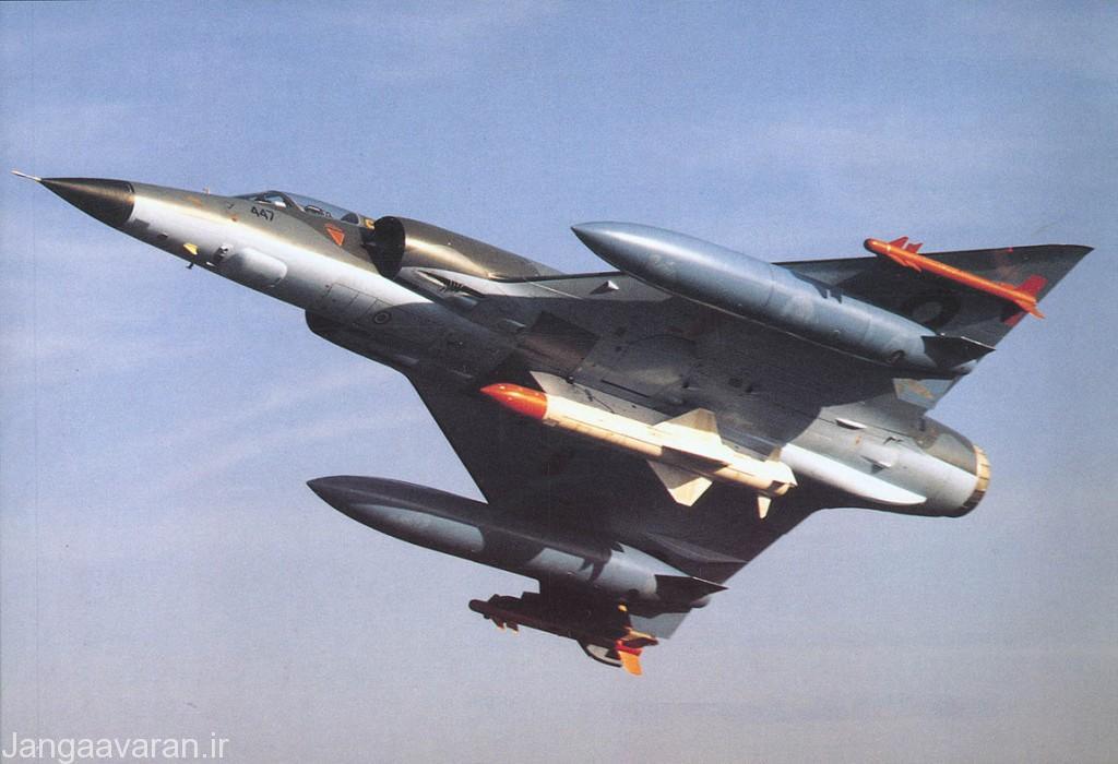 میراژ 5 ارتش پاکستان که با برخورداری از رادار اژوا توان حمل موشک ضد کشتی را نیز دارد