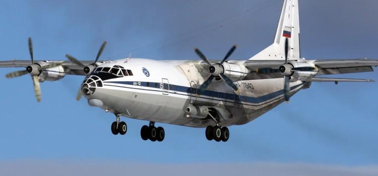 هواپیمای ترابری انتنوف8 و 12