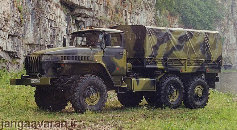 یک سامانه Topol E بر روی حامل Ural 4320-21