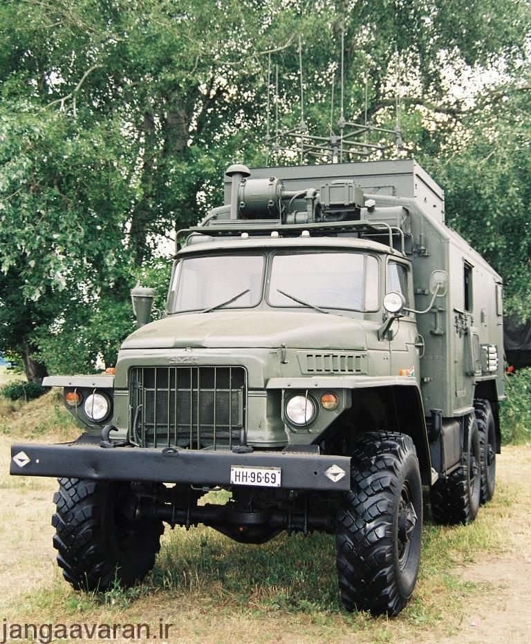 یک اخلالگر R-330U بر روی حامل Ural 375 حمل می شود