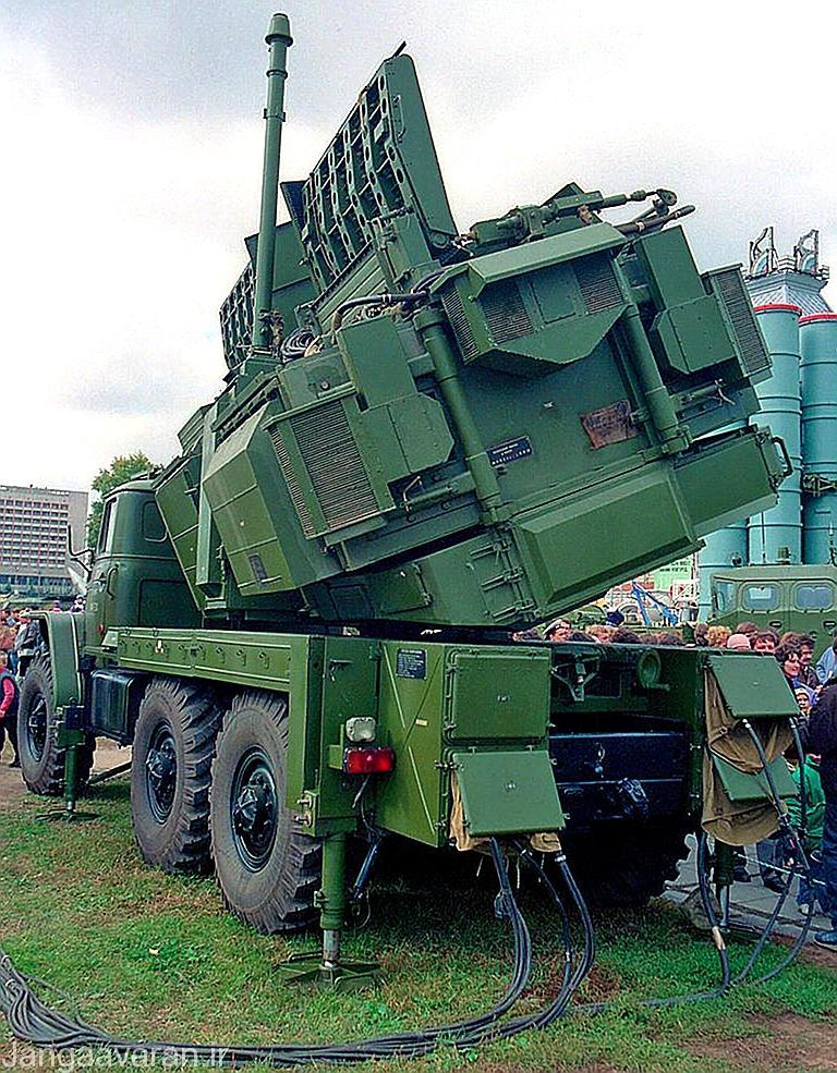 یک اخلالگر SPN-2 واقع در نمایشگاهی در روسیه و مقابل بازدید عموم