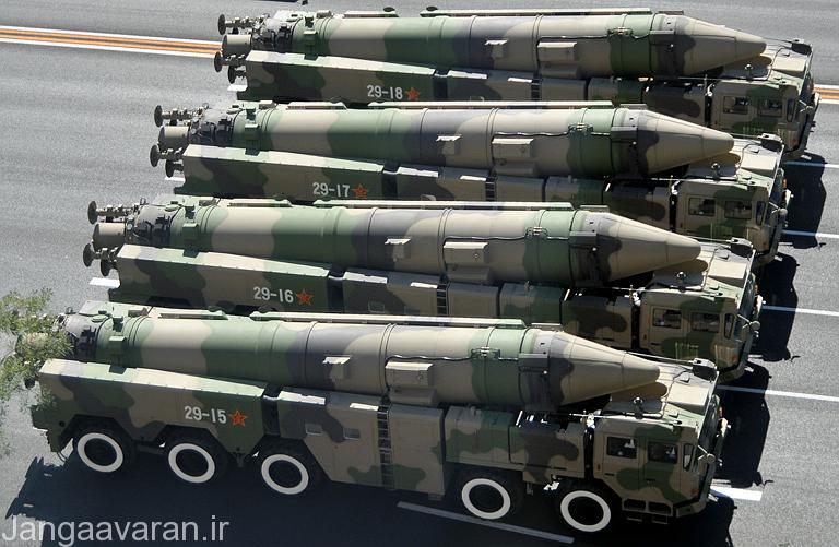 نمایش تعدادی از موشک های بالستیک DF-21C چینی در رژه