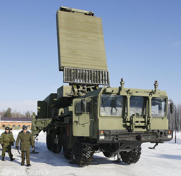 تصویری از رادار شناسایی 96L6 که توسط حامل MZKT-7930 حمل می شود
