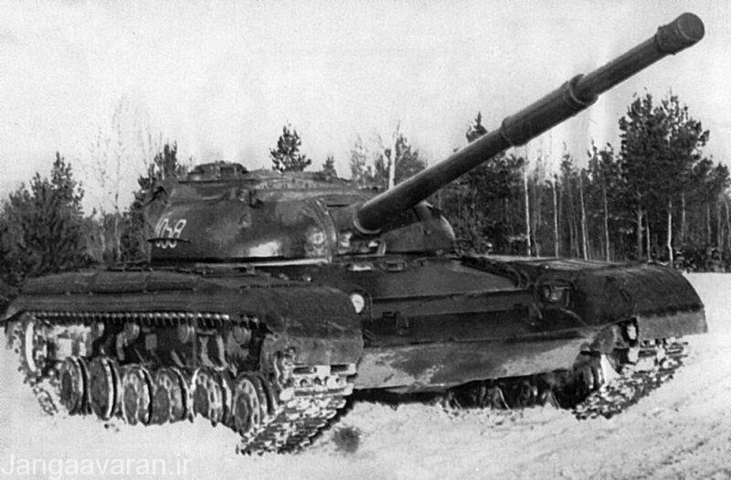 تی 64 مجهز به توپ 115 م م که در واقع نخستین نمونه تولید تی 64 بود