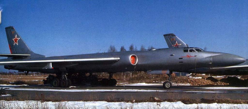 توپلوف 16 کا10 . این نسخه در دماغه مجهز به رادار بود و می توانست موشک ضد کشتی مافوق صوت ای اس -2 را کند