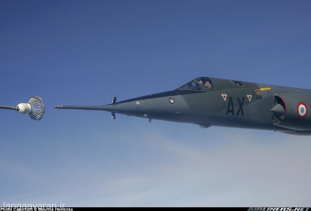 تصویری از سوختگیری هوایی