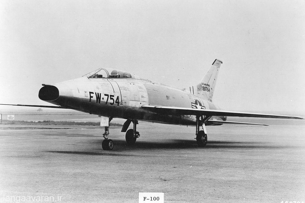 وای اف100 پیش نمونه سوپر سابر