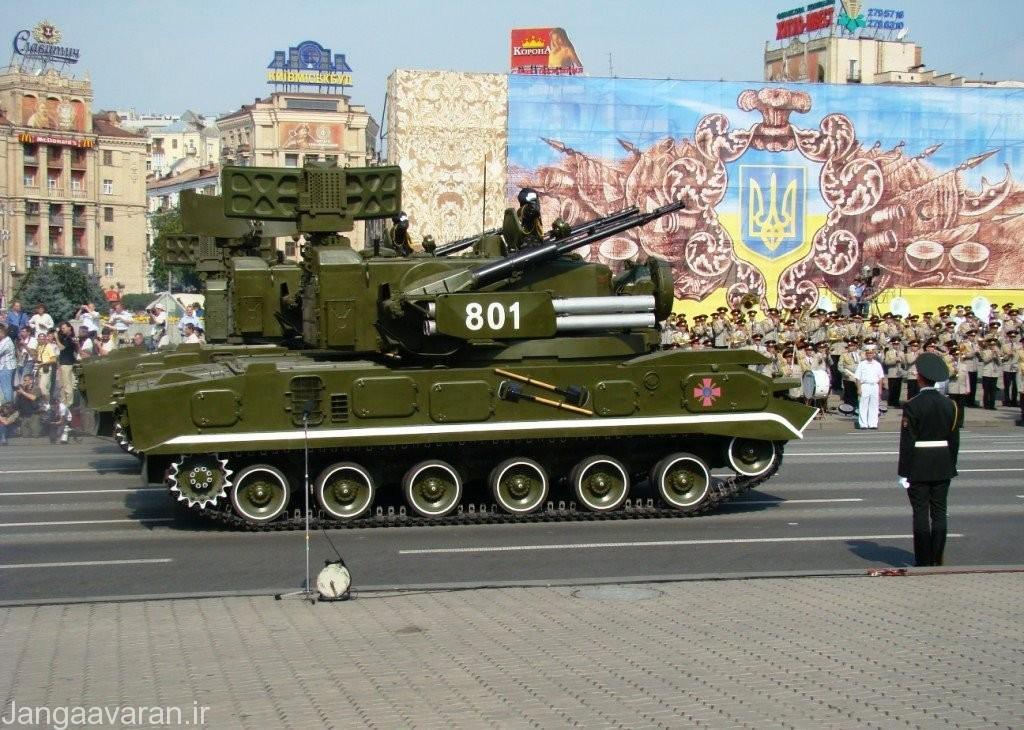 9K22_Tunguska,_Independence_Day_parade_in_Kiev_(2008)