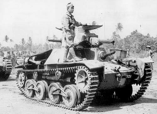 موقعیت توپ و دو تیربار تانک در تصویر مشخص است.