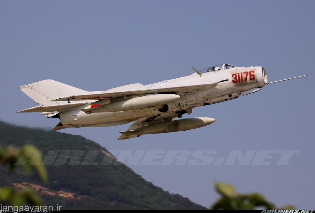 جی زد 6 نسخه شناسایی جی6 ساخت چین. در زیر بدنه دوربین شناسایی را میتوان دید