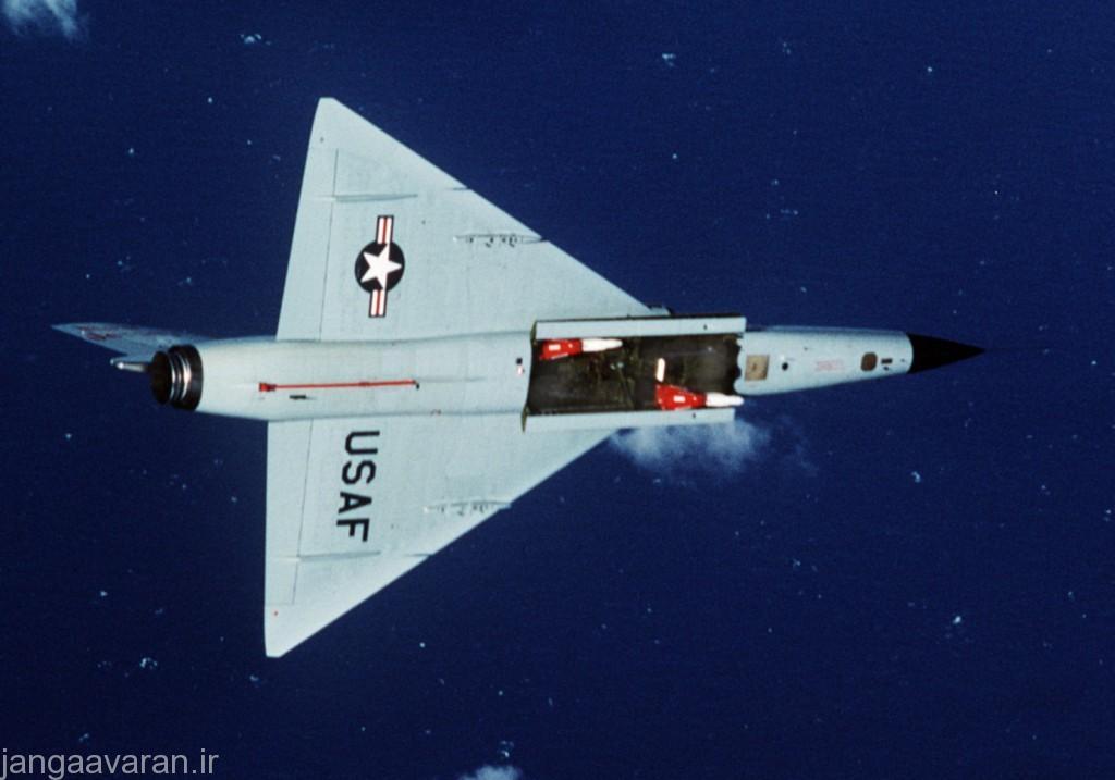 دهلیز جنگ افزاری و دو موشک فالکن
