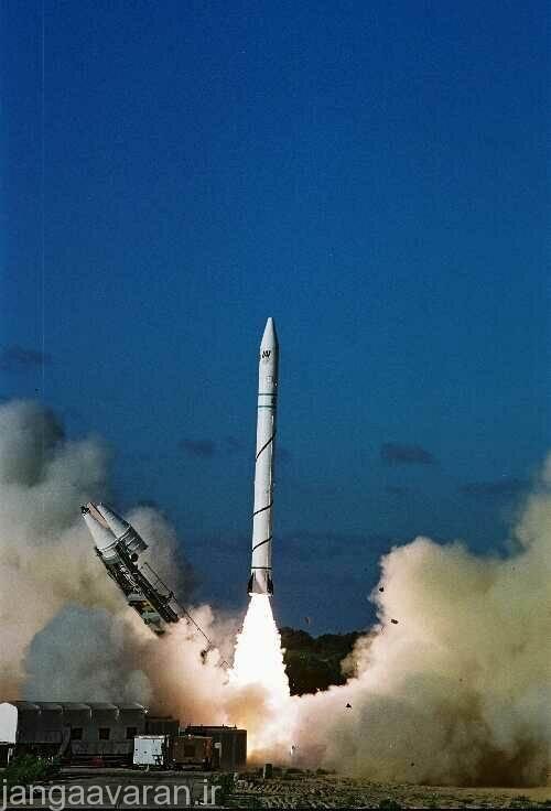 تقریبا هیچ عکسی از موشک های بالستیک اسرائیل وجود ندارد ...تنها تصویر فراگیر این تصویر است که موشک سه مرحله ای ماهواره بر شاویت را نشان می دهد که بسیار به جریکا 2 و 3 شبیه است