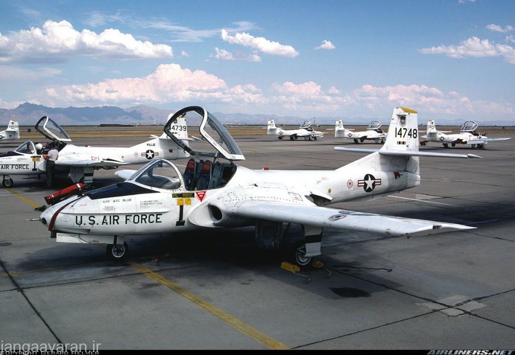 """جت اموزشی"""" تی-37"""" و هواپیمای تهاجمی """"ای-37"""""""