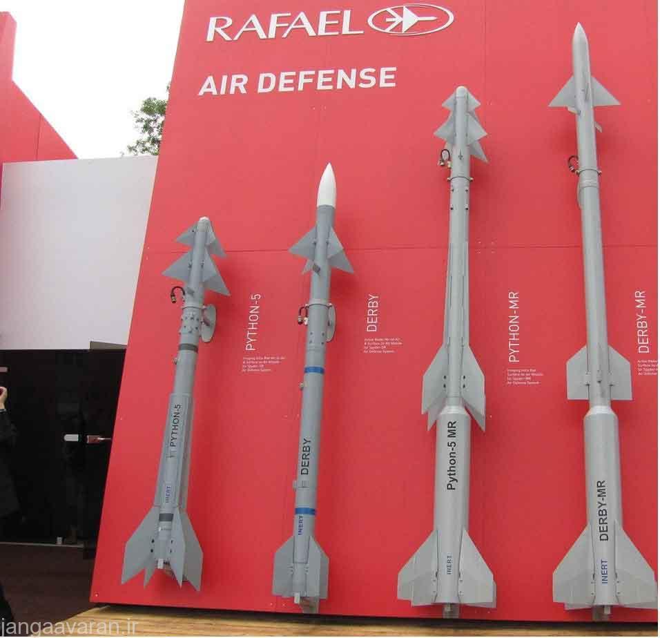 تصویر از موشک های قابل پرتاب از سامانه اسپایدر در تصویر موشک پایتون5 و دربی برای پرتاب از اسپایک اس ار و پتون5 ام ار و دربی ام ار با یک بوستر کمکی برای اسپایدر ام ار دیده میشود