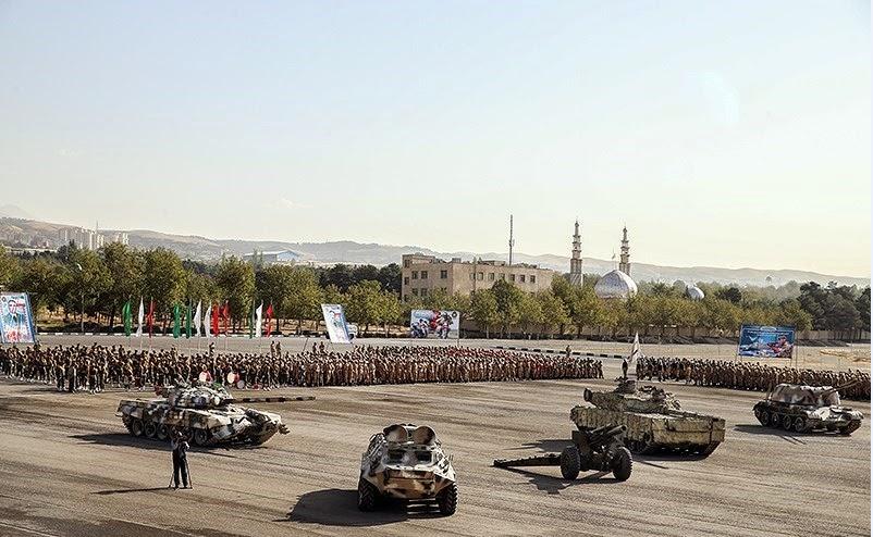 از چپ به راست:توپ ضد هوایی خود کششی zsu-57-2،تانک ذوالفقار 3،نفر بر زرهی BTR-60،تانکT-72S