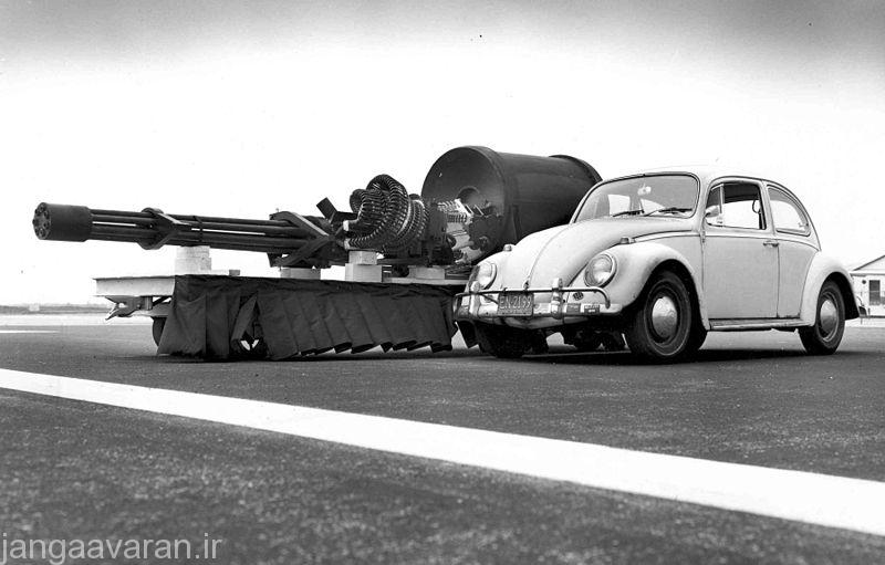 800px-GAU-8_meets_VW_Type_1