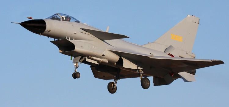 قیاس جنگنده J-10 با رقیبان غربی خود
