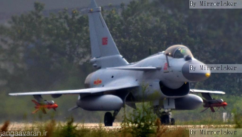 نیاز به کاهش سطح مقطعی رادار باعث ایجاد در ورودی هوای جی 10 بی شد که به خوبی با J-10B قابل قیاس است