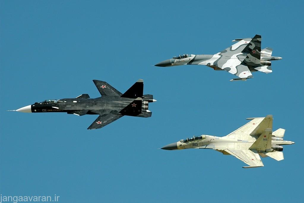 Sukhoi_Su-47_in_formation,_2005