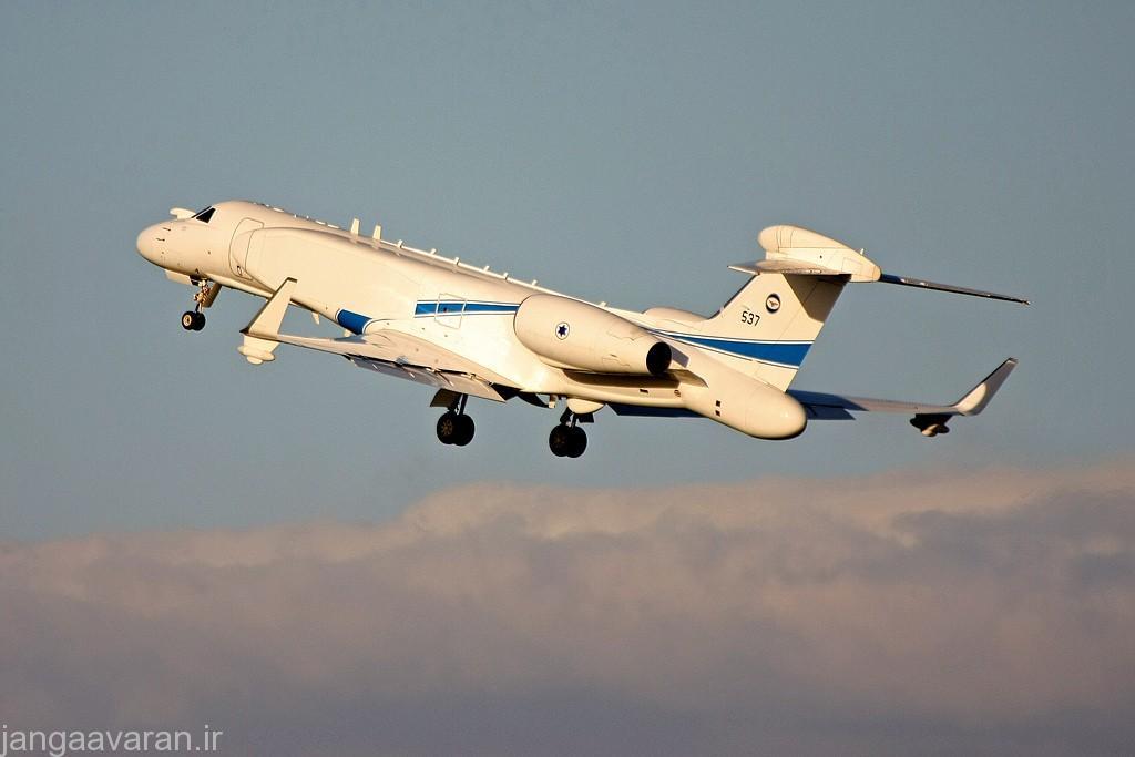 در تصویر برامدکی انتهای هواپیما را میتواند دید که محل قرار گیری رادار است