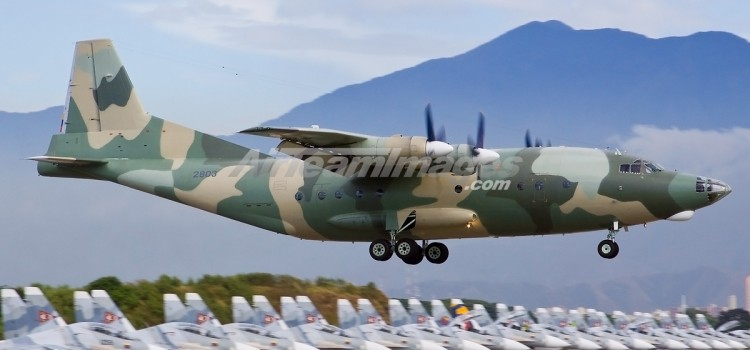 هواپیمای ترابری Y-8 و Y-9