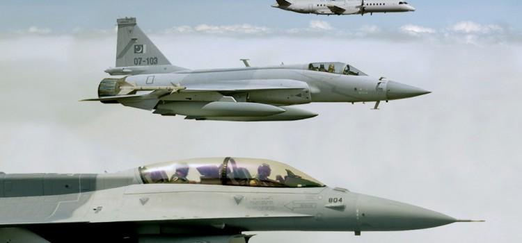 بررسی تجهیزات نیروی هوایی پاکستان