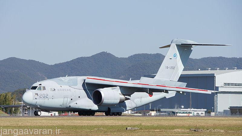 JASDF_XC-2(18-1202)_at_Gifu_Air_Base_October_25,_2015_b