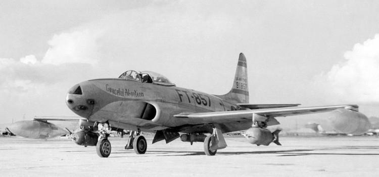 جت شکاری F-80 و جت اموزشی T-33
