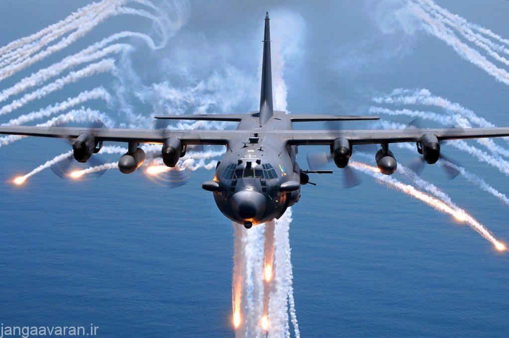 1280px-AC-130H_Spectre_jettisons_flares