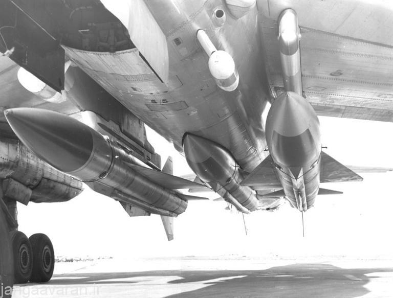 سه موشک خا22 زیر توپلوف 95