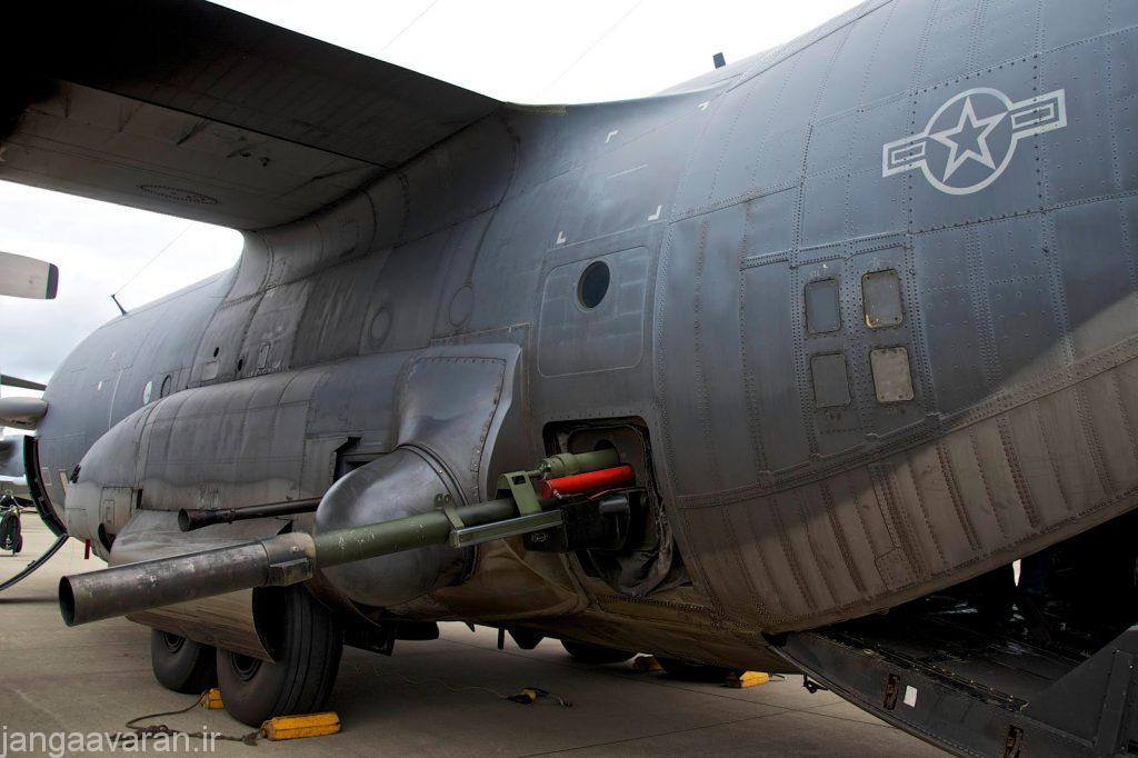 هواپیمای پشتیبانی هوایی نزدیک AC-130 گان شیپ