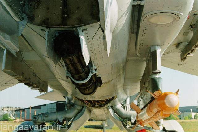 توپ GSh-6-30 زیر بدنه میگ27
