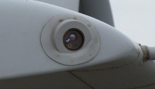 MAW جنگنده A-10C ( نوک بال ) که به واسطه امواج فرابنفش ، موشک نزدیک شونده را شناسایی میکند.
