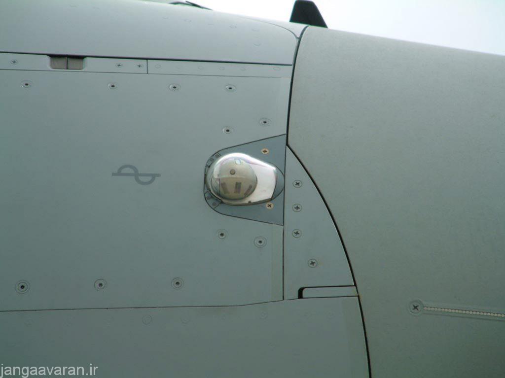 سامانه دریافت کننده هشدار لیزری نصب شده بر روی دماغه جنگنده یوروفایتر تایفون