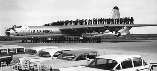 b-36-men-on-wing
