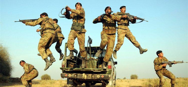 بررسی تجهیزات نیروی زمینی پاکستان